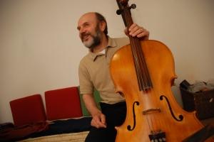 """Roberto Sponchiado durante la registrazione di """"Similitudini"""" (maggio 2008)"""
